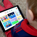 Screens Pose Parenting Challenge